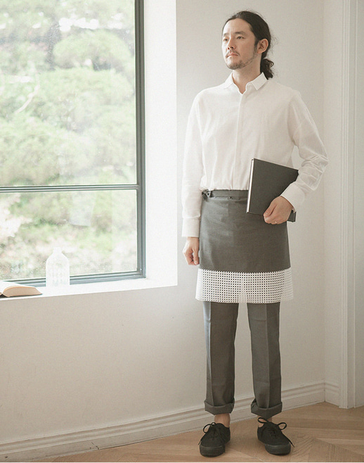 the punching hem apron charcoal #AA1697